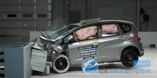 汽车碰撞测试高清图片