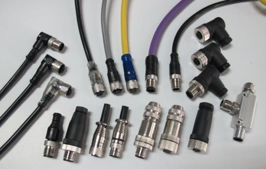 M12连接器也可被编码。常见的用于键控类型有:  A编码;传感器与执行器使用  B编码;与现场总线使用  D-编码;与工业以太网的X编码的使用;使用with10 Gbps以太网
