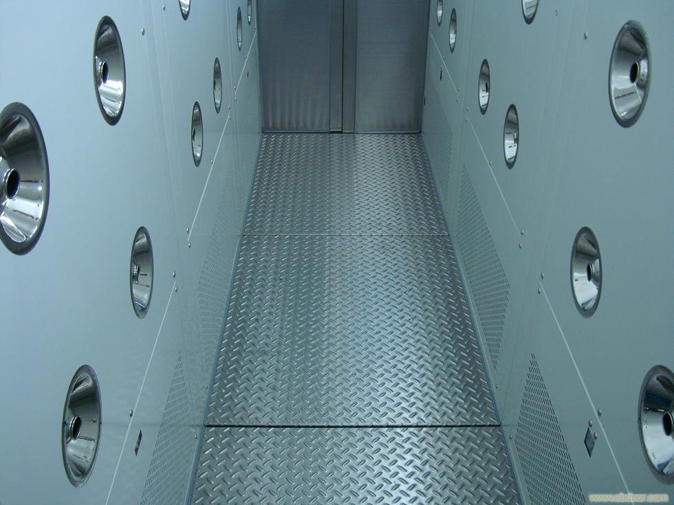 选择不同材质的风淋室的标准依据什么?